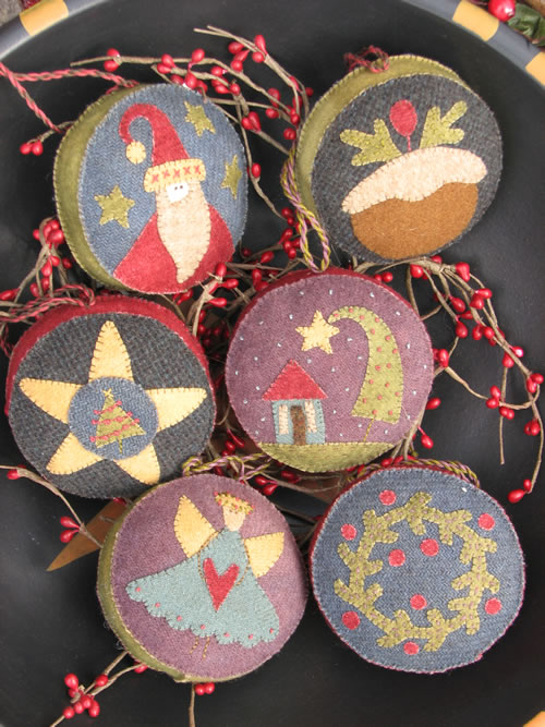 Hatched and Patched - Christmas Berry Baubles